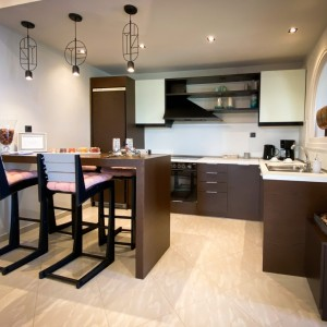5-VST-Grand-Suite-kitchen