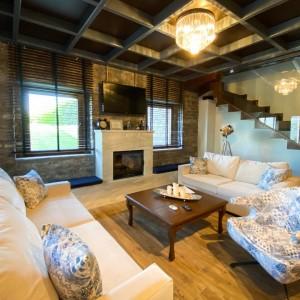 VST-B-Suite-living-room-1