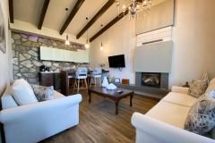 VST-Delux-Suite-living-room-1
