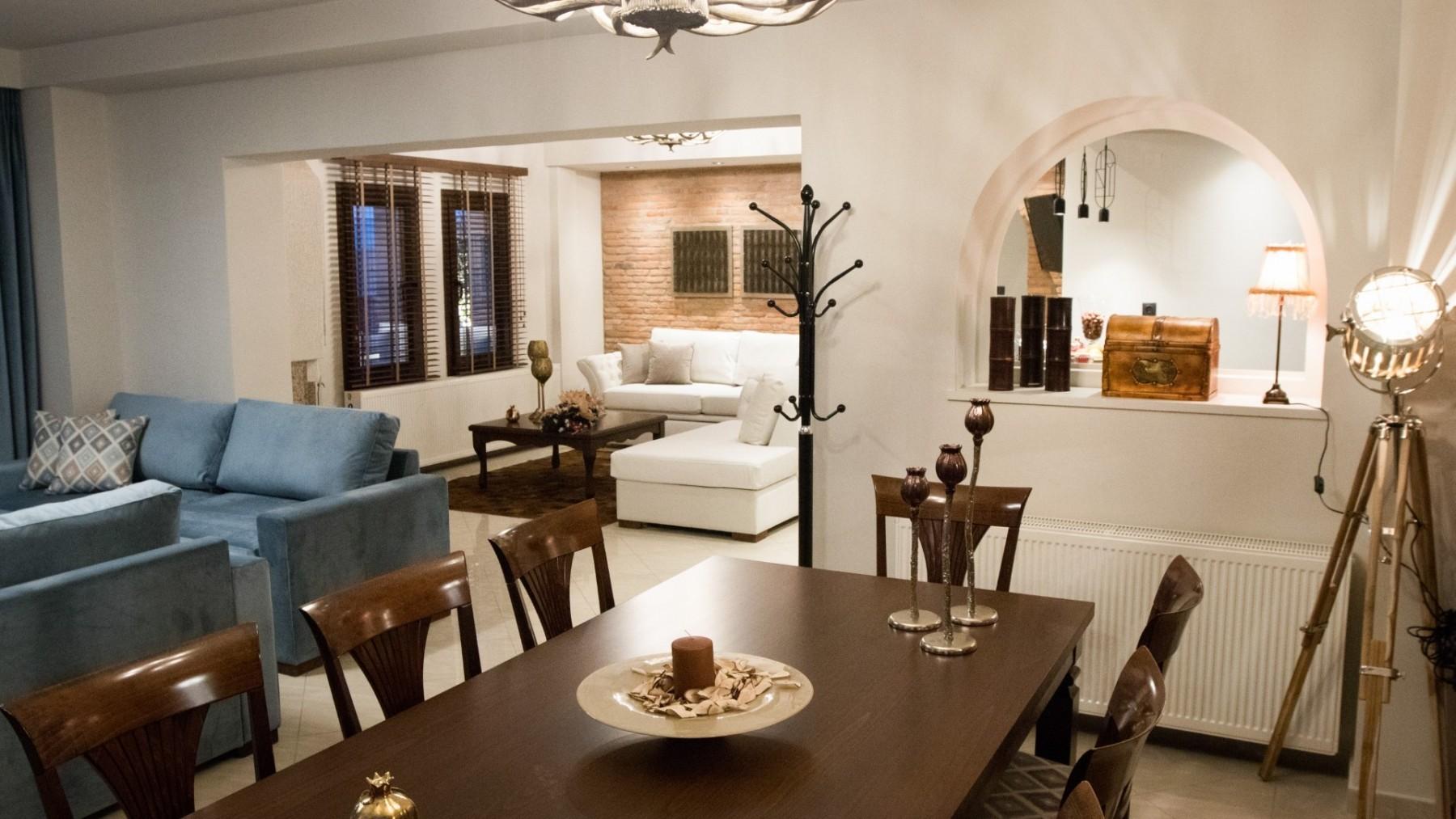 2-VST-Grand-Suite-living-room-4