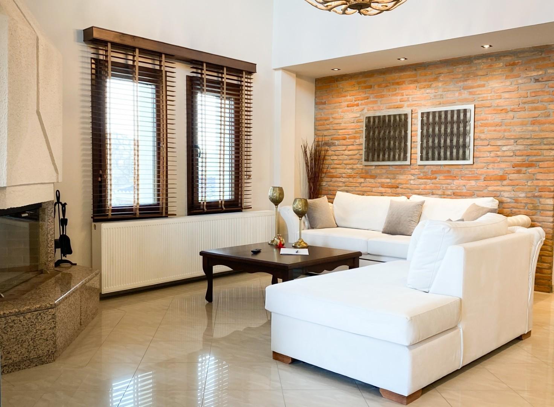 4-VST-Grand-Suite-living-room-1