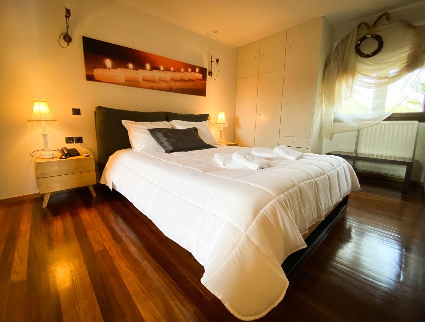 7-VST-Grand-Suite-bedroom-1