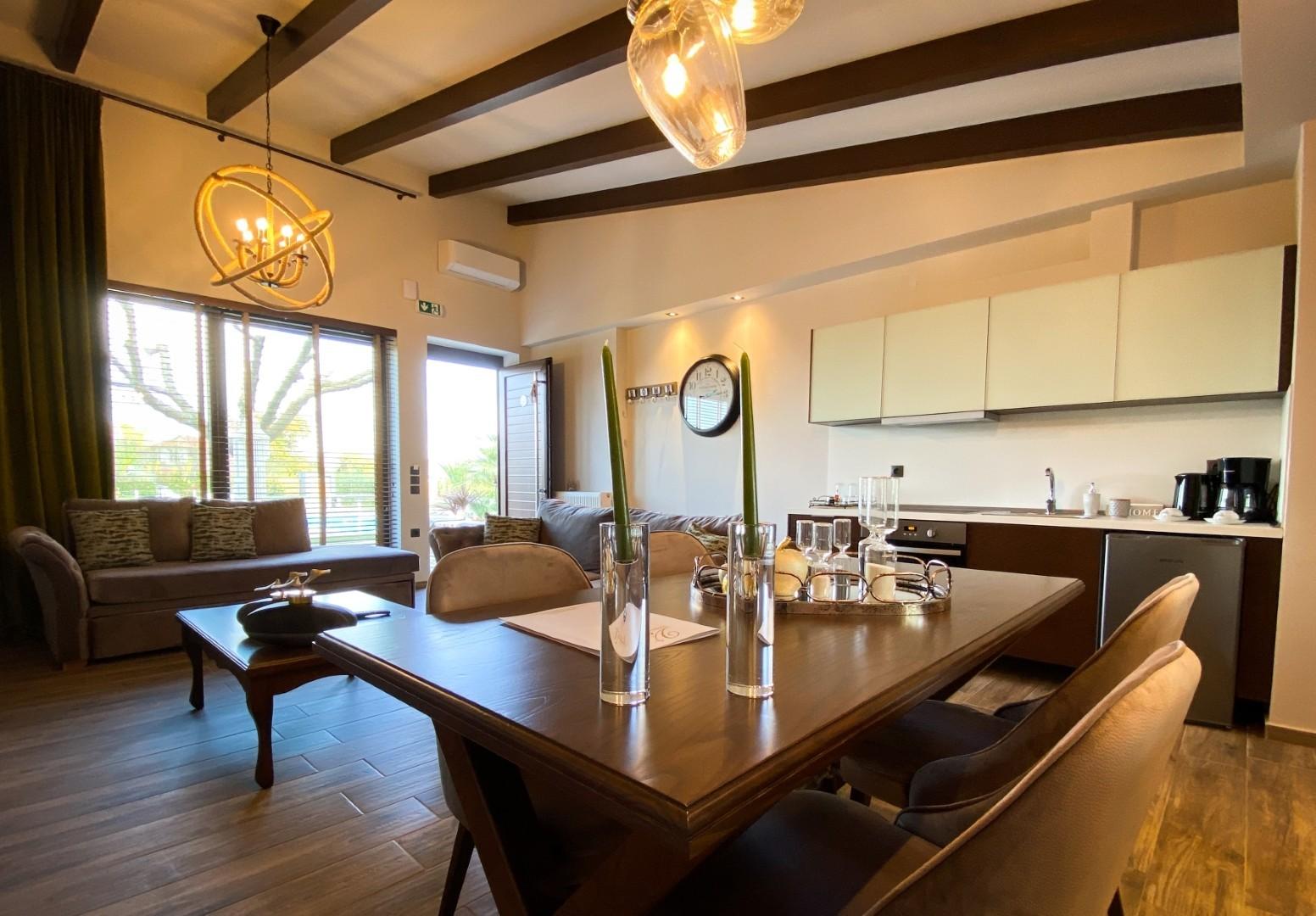 VST-Green-Suite-living-room-5
